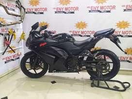 Kawasaki ninja Carbu 250 Thun 2011 PMK 2012 mulus.