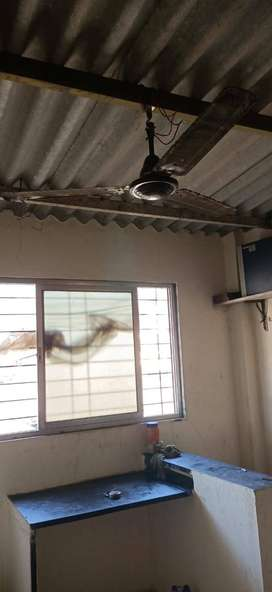 Small Chawl Room in Khar east Area for Bachlors.