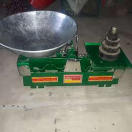 Scale for sale (kanda) and weights