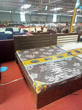 wholesale rate bed & mattress