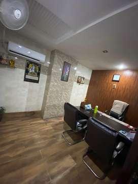 2000sqft furnish office workstations good location