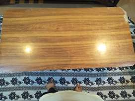 2 single bed and one table of wood for sale