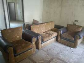 Beautiful 5 seater sofa