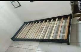 Ranjang kayu bawahan kasur sorong uk 90 x 200 cm
