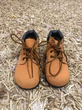 Sepatu fashion kids size 22