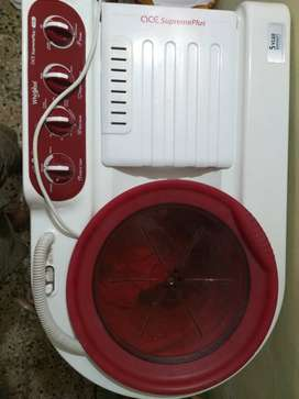 Semi automatic Whirlpool washing machine 7kg 1year old @7000Rs