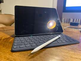 iPad Pro 10.5 inch Wifi + Apple Keyboard + Apple Pencil