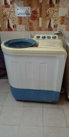 Whirlpool semi automatic machine