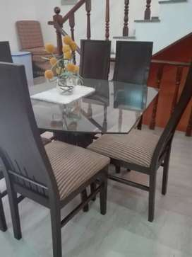 Almost brand new pure wooden dinning table