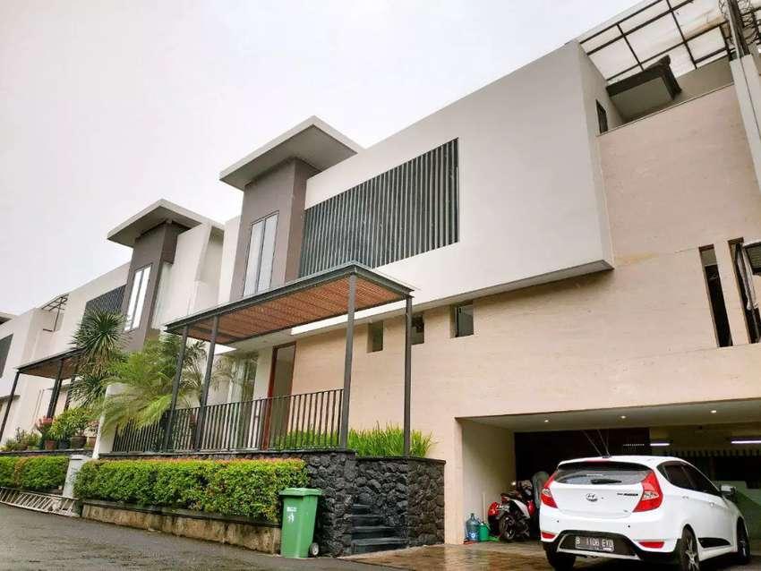 Rumah Super Mewah, Ada Private Pool dan Outdoor Deck di Cipete JakSel 0