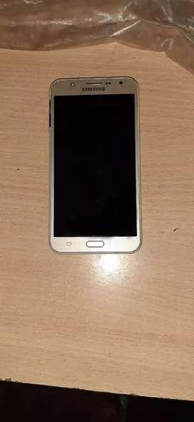 Samsung galaxy j7 in good condition