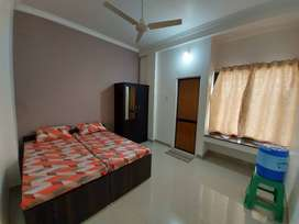 Single room .for rent fully furnished.