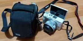 Kamera DSLR Canon EOS M3 JualMurah Like New (JarangDipakai Simpan)NEGO