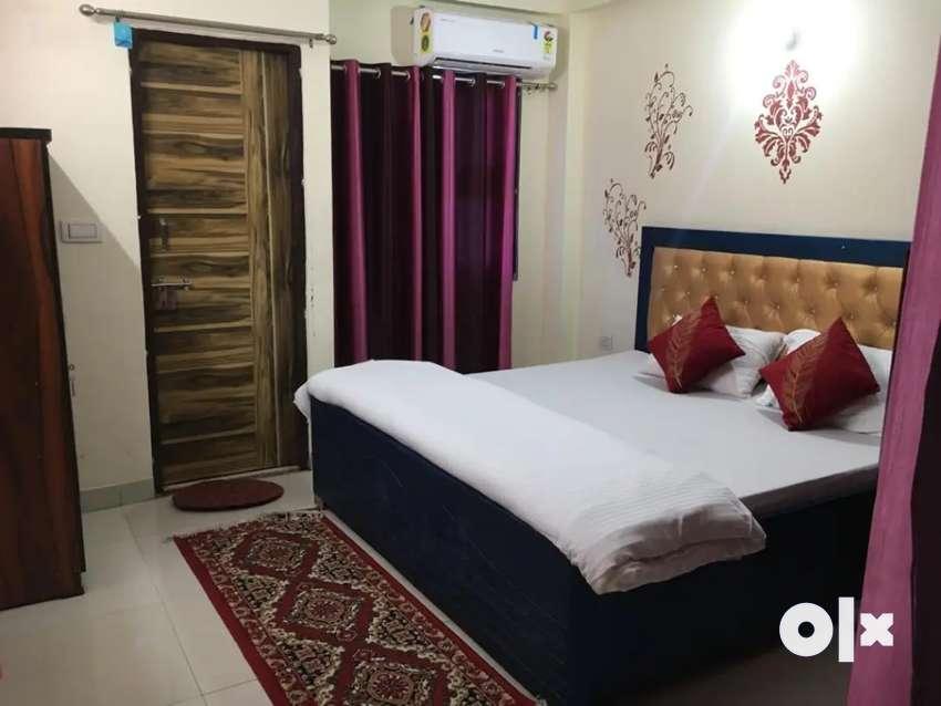 1bhk full furnished room with luxury furniture near Lal kua ghaziabad