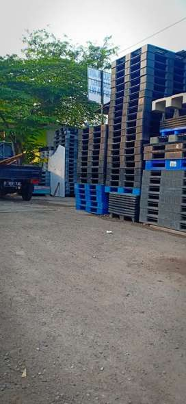 Supplier pallet plastik bekas.,