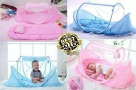 Tempat tidur bayi ada musiknya atau kelambu bayi