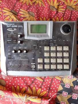 Roland sp606 sampler brand new condictions