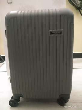 Very good product still did not use the suitcase 4weller