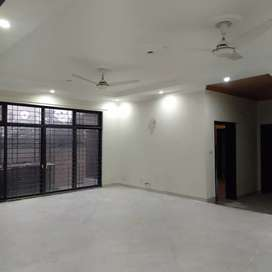 1 Kanal  House Available For Rent