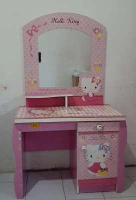 Dijual Meja Rias Anak Hello Kitty