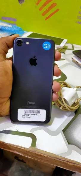 IPHONE 7 32GB 100% CONDITION PHONE JUST LIKE A NEW PHONE I HAVE PHONE