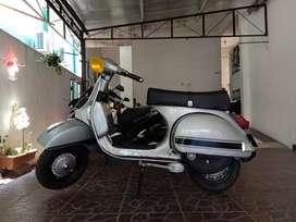 Vespa P150XE Sport