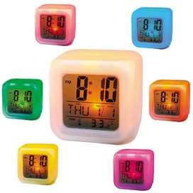Jam Kotak Alarm Ada Lampu Warna-warni