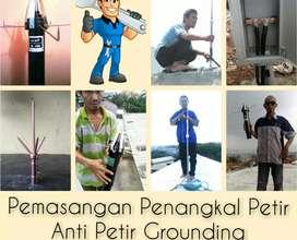 Top Jasa Spesialis Pasang Baru Alat Penangkal Petir Grounding.