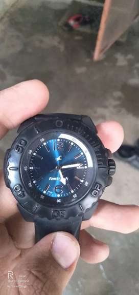 Fastrack black colour 6 months old watch