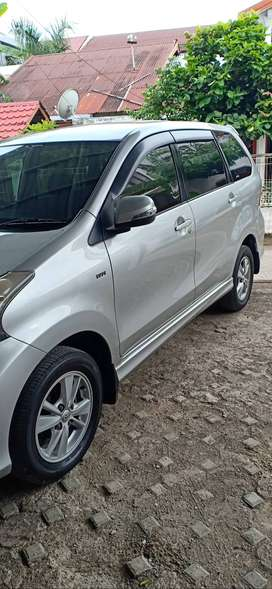 Toyota Avanza Veloz 2012 silver