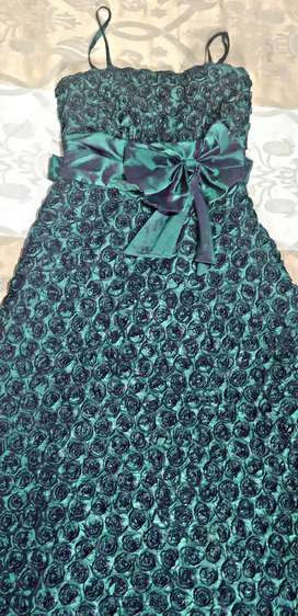 Gowns , lehenga , dress Rs.500 . All stock clear @8900