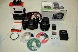 Canon EOS 7D + Lensa Kit EF-S 18-200mm IS