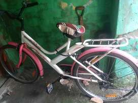 Good running cycle newly type at 3500 in salkia