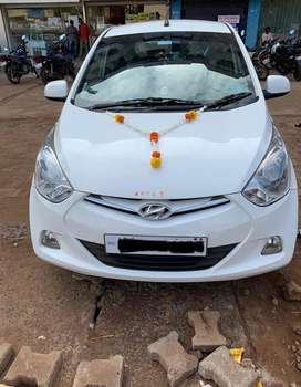 Hyundai EON Sportz 2012 Petrol Well Maintained