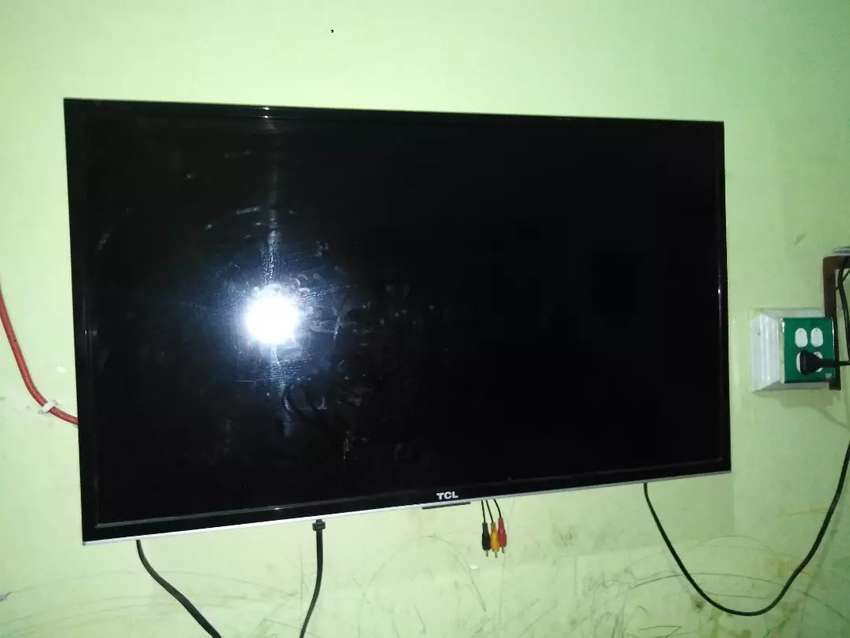 TCL 32 inches 0