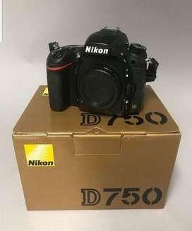 Selling Nikon D750 body