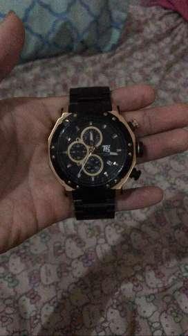 Jam tangan T5 produk lokal  masih bagus mulus