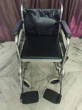 Cushioned wheel chair with potty box for 8000
