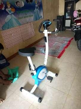 Bike Fitness 8215 TL design kokoh