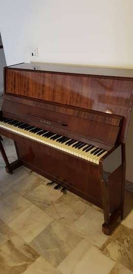 Lirika Upright Piano