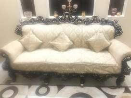 6 seater chinioti sofa set without table.