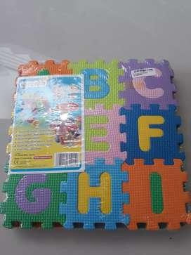 Puzzle edukasi huruf dan angka