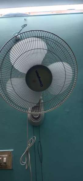 Crompton wall fan good condition 1 year old