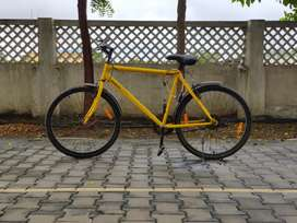 Mach City - Yellow Bike