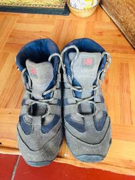 Sepatu Gunung Karimor