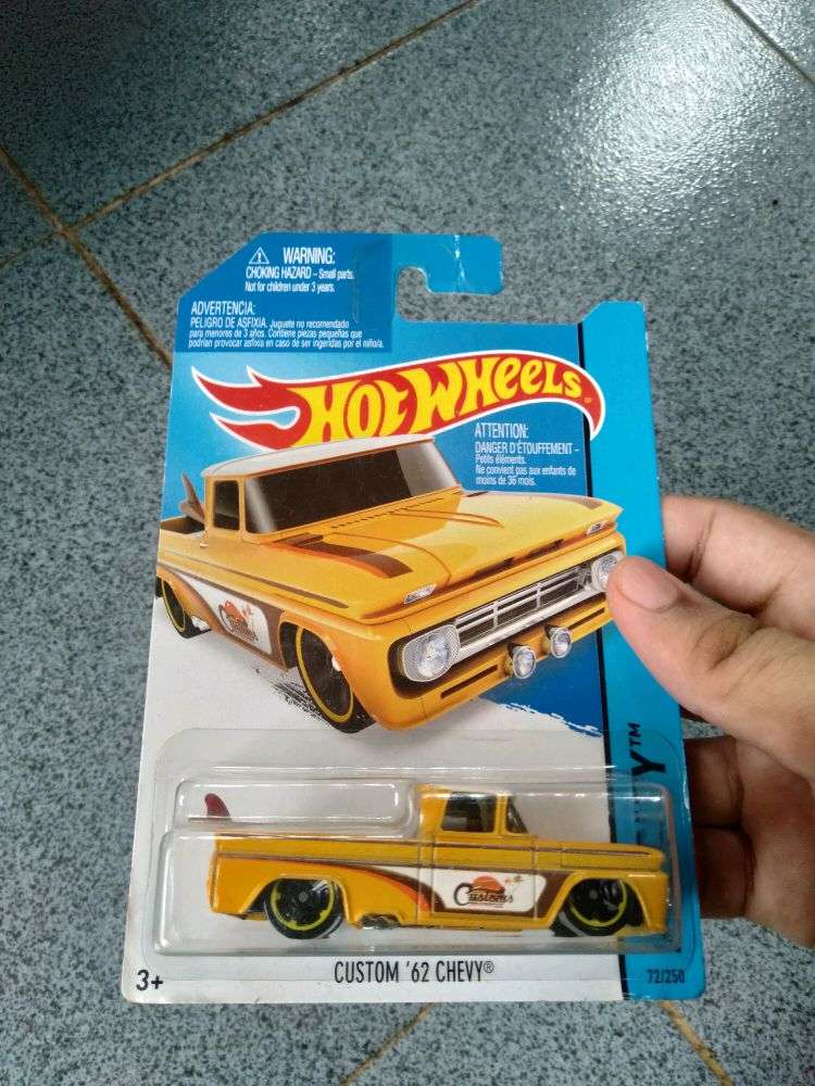 hotwheels custom 62 chevy 0