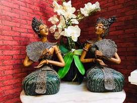 Patung Solo Kayu