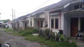 16 JUTAAN DALAM PERUM Timur Kampus 150m Jl Tugu Gentong SF7451