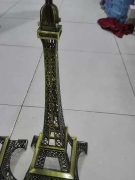 Eflle  Tower  5  Size  available