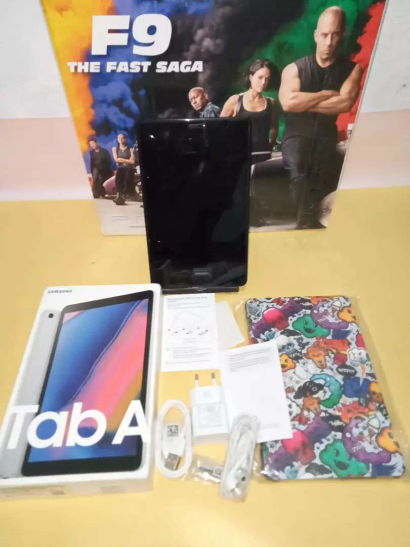 Samsung galaxy tab A8 with spen p205 mulus like new 0